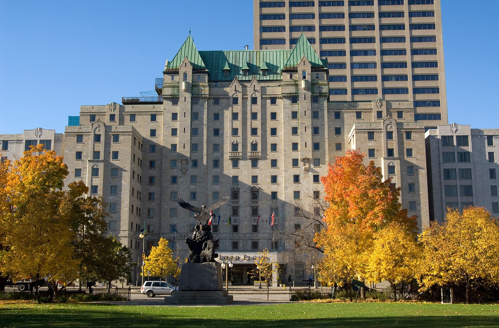 Lord Elgin Hotel in downtown Ottawa overlooking the beautiful Confederation Park