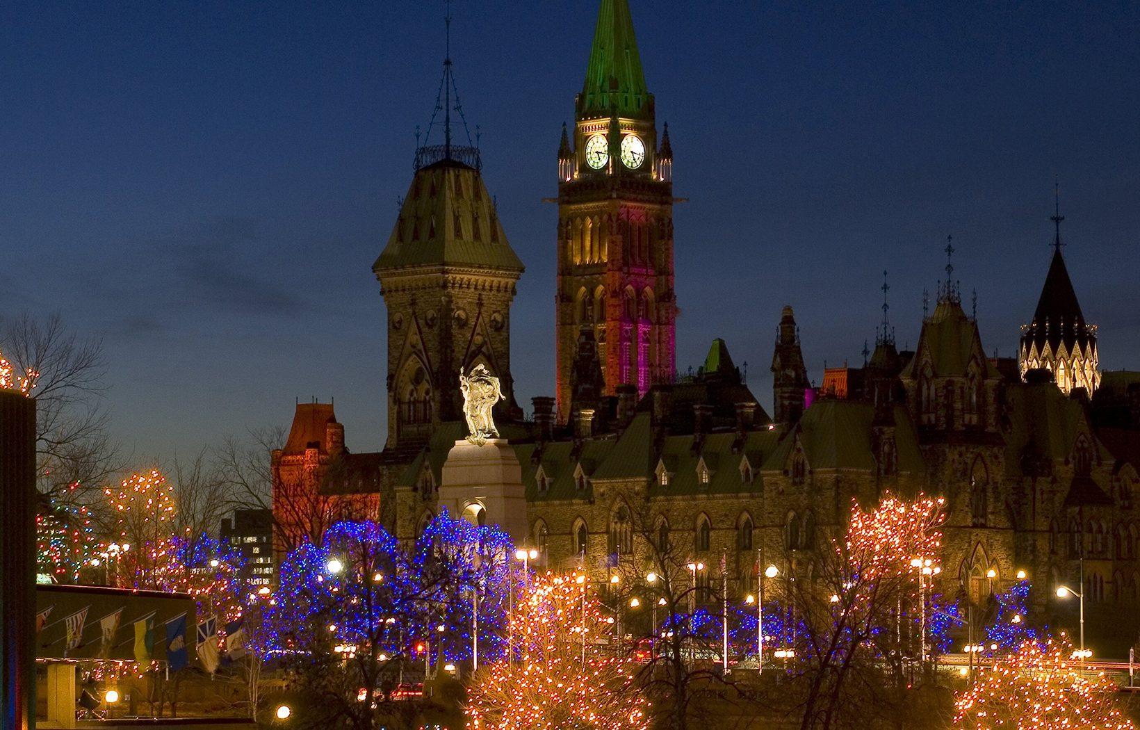 Christmas Lights Across Canada - Ottawa, On