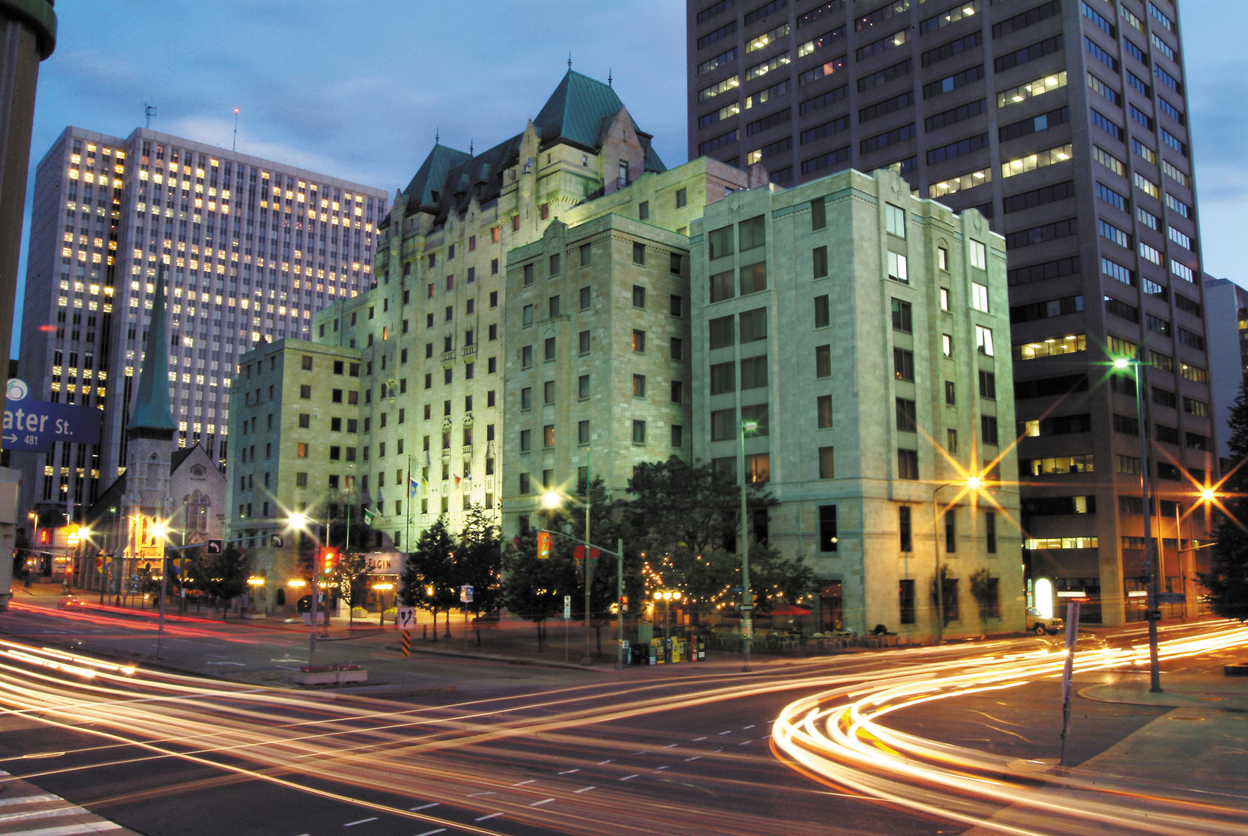 Lord Elgin Hotel at dusk time-lapse photo in downtown Ottawa