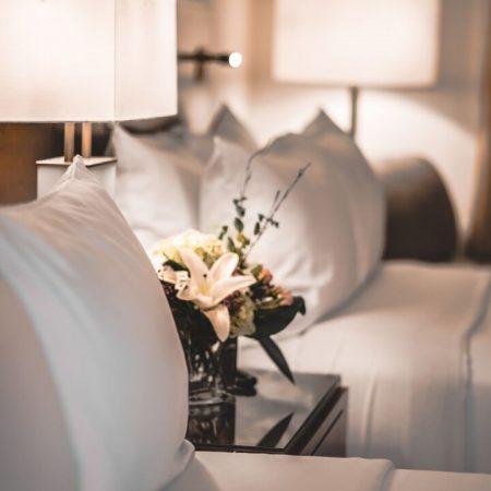 Lord Elgin Hotel Guestrooms