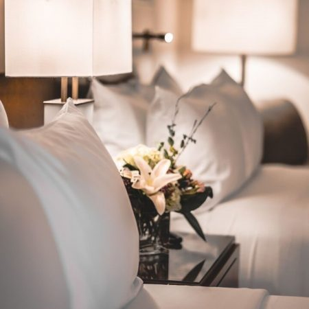 Lord Elgin Hotel Guestrooms