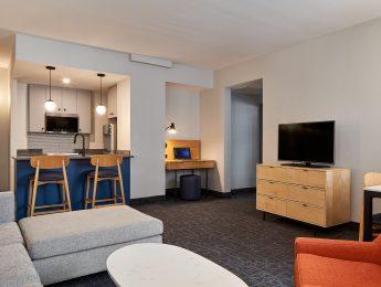Downtown Ottawa Suite Hotel near Elgin Street & Rideau Canal